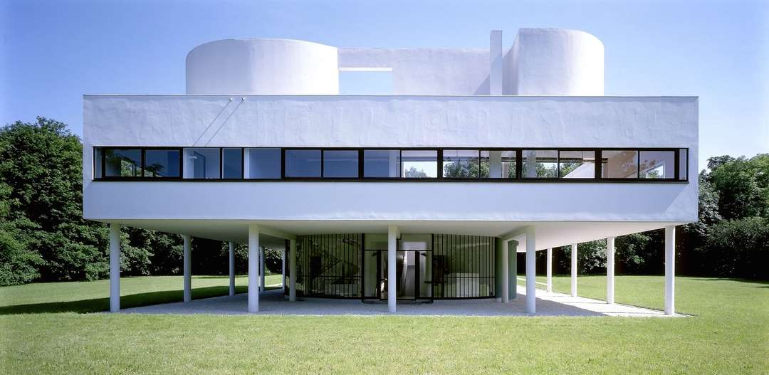 White architecture first came into vogue with the modernist buildings of  the 1920s and, ever since, its been a staple in modern design.