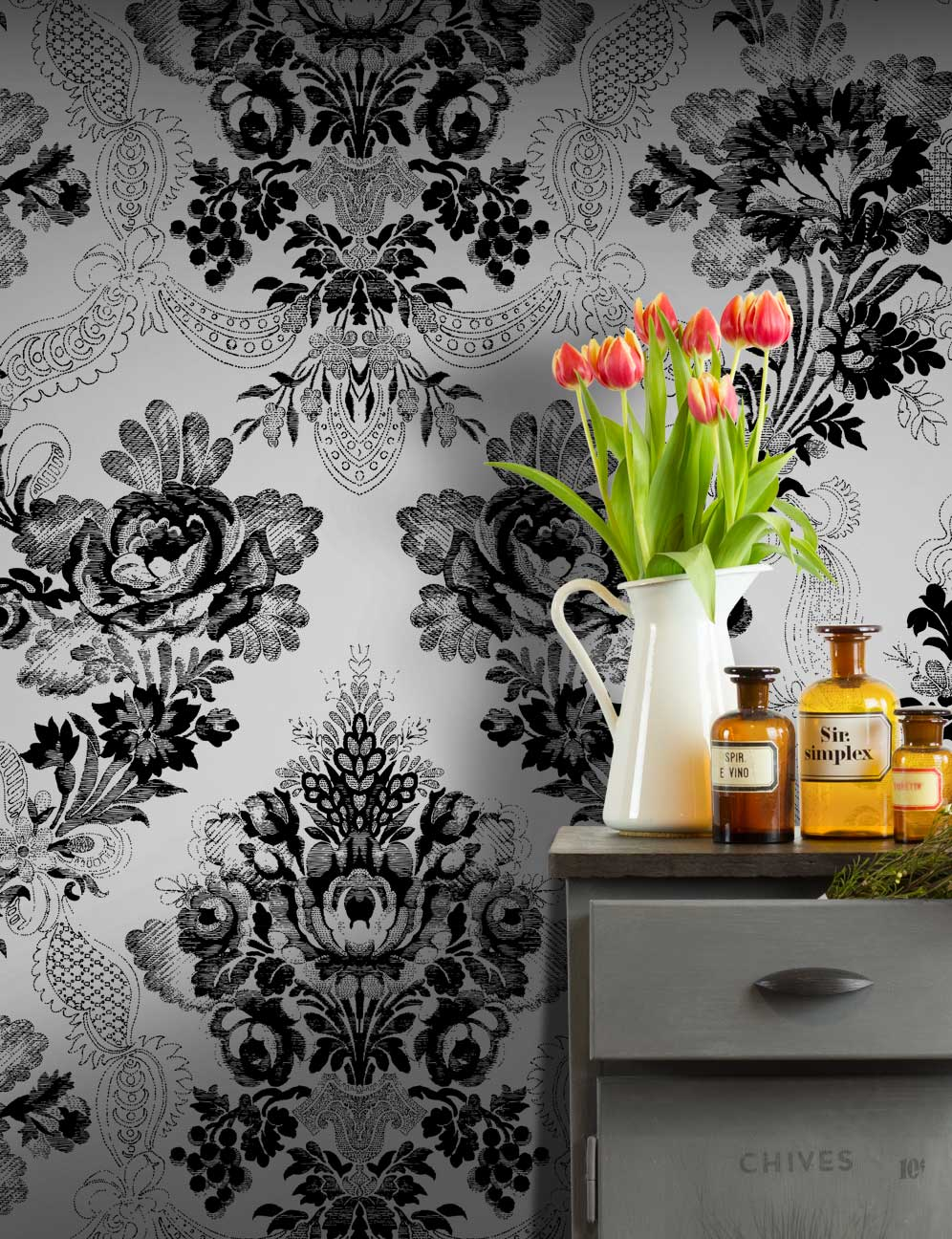 Black & White Vintage Damask Wallpaper